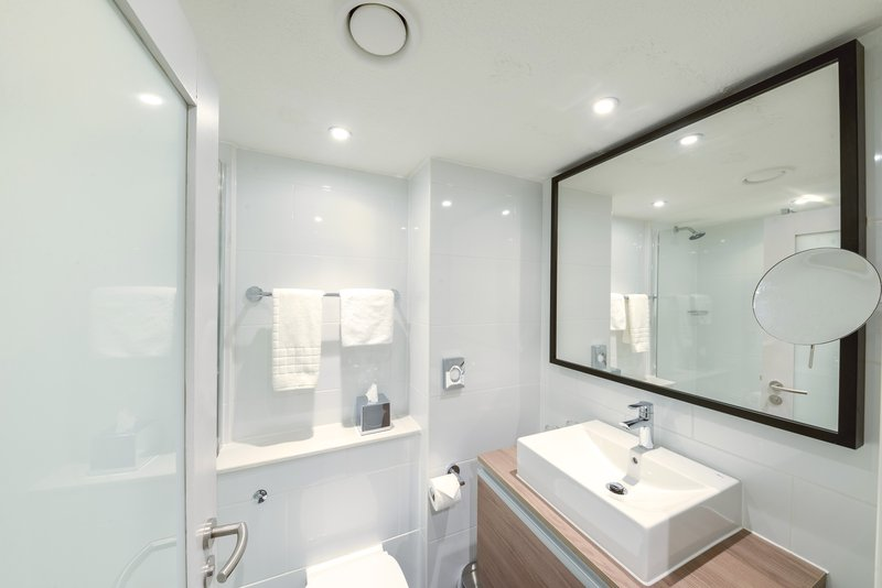 Crowne Plaza Plymouth-These bathrooms include a walk in shower and upgraded toiletries<br/>Image from Leonardo