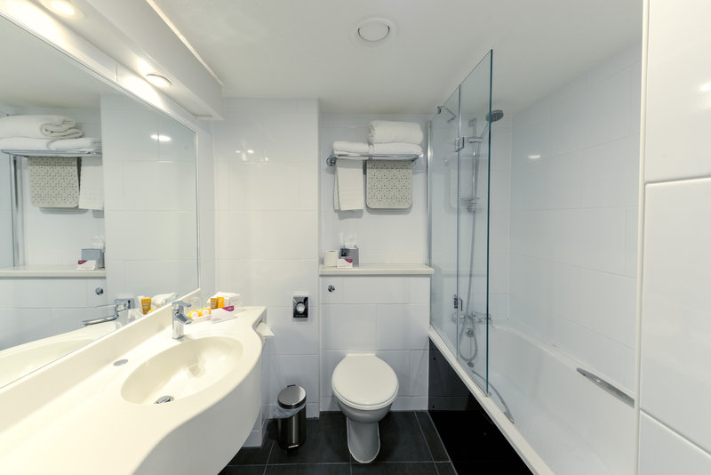 Crowne Plaza Plymouth-Guest bathrooms include bath / shower and toiletries<br/>Image from Leonardo