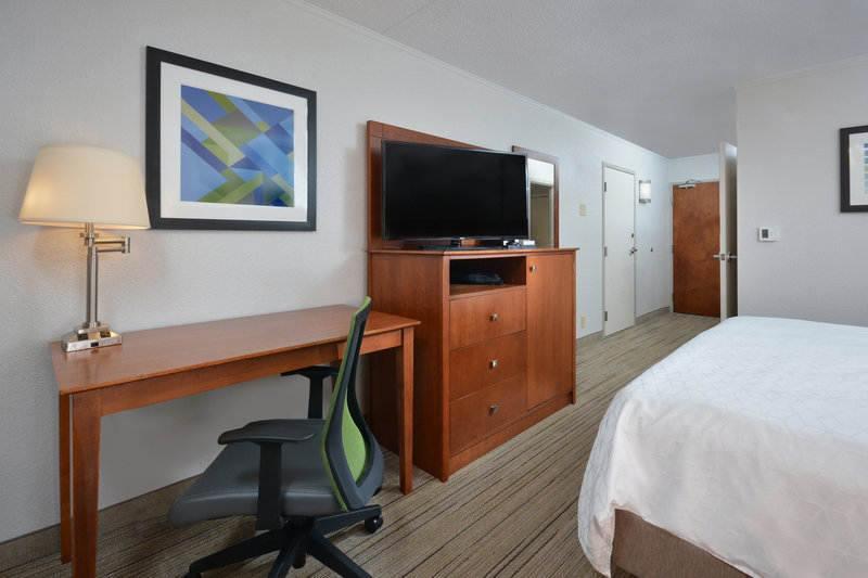 Holiday Inn Express Lynchburg-Our King Rooms in our Lynchburg hotel feature HDTV and more!<br/>Image from Leonardo