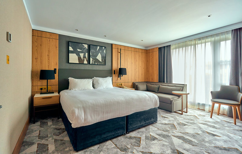 Crowne Plaza Marlow-Suite <br/>Image from Leonardo