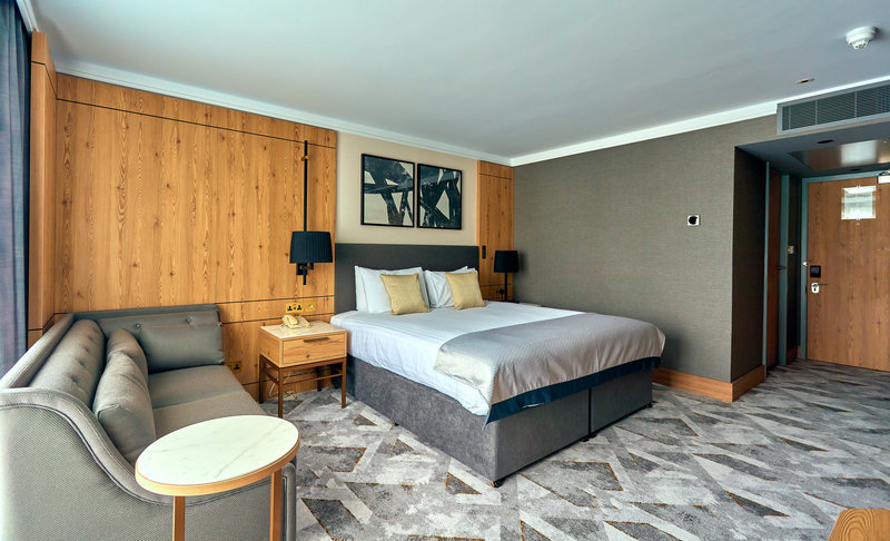 Crowne Plaza Marlow-Guest Room<br/>Image from Leonardo
