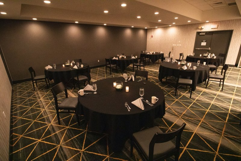 Holiday Inn Grand Rapids Downtown-Banquet Room<br/>Image from Leonardo