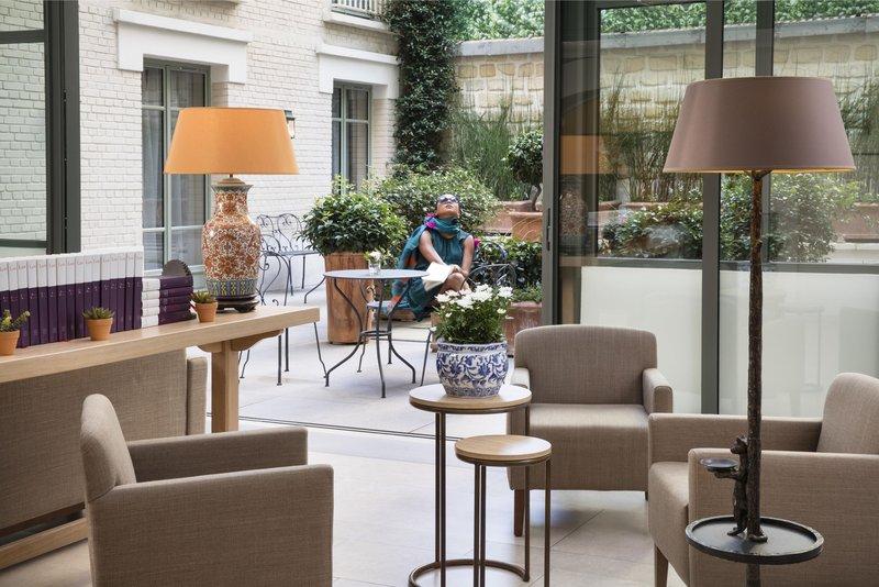 Le Littre Hotel - Courtyard GDS <br/>Image from Leonardo