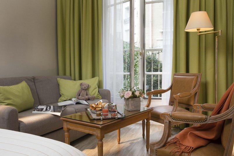 Le Littre Hotel - Deluxe Triple GDS <br/>Image from Leonardo