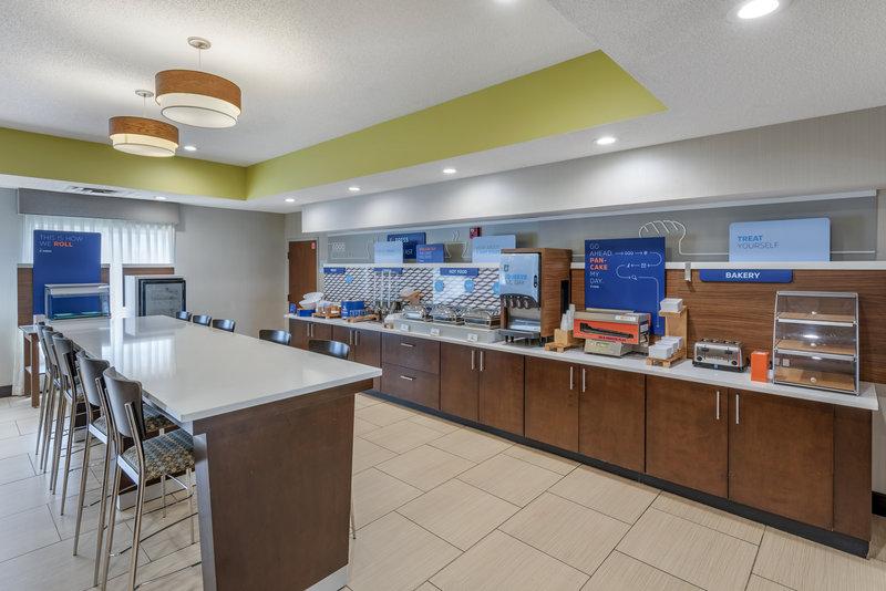 Holiday Inn Express & Suites Cincinnati - Blue Ash-Breakfast Area<br/>Image from Leonardo