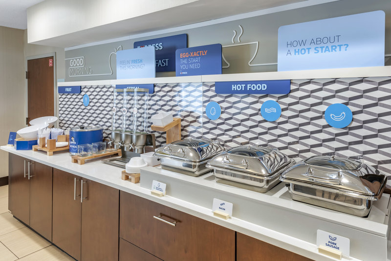 Holiday Inn Express & Suites Cincinnati - Blue Ash-Breakfast Bar<br/>Image from Leonardo