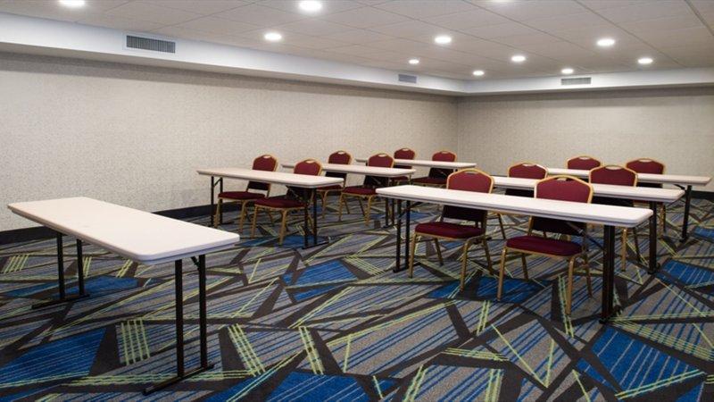 Holiday Inn Express Cincinnati West-Meeting Room<br/>Image from Leonardo