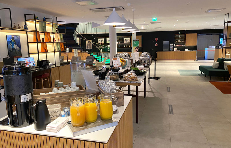 Holiday Inn Helsinki - Exhibition & Convention Centre-Our buffet breakfast is temporarily served in the Open Lobby<br/>Image from Leonardo