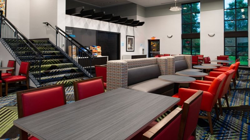 Holiday Inn Express Cincinnati West-Breakfast Area<br/>Image from Leonardo