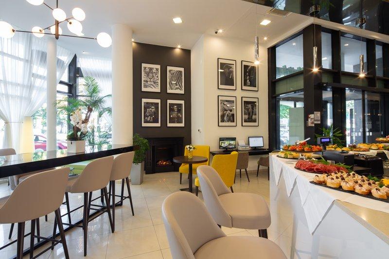 Holiday Inn Turin - Corso Francia-Lobby Bar<br/>Image from Leonardo