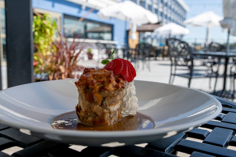 Holiday Inn Kingston - Waterfront-Not only the sun is sweet at the Wharf & Feather Waterfront patio<br/>Image from Leonardo