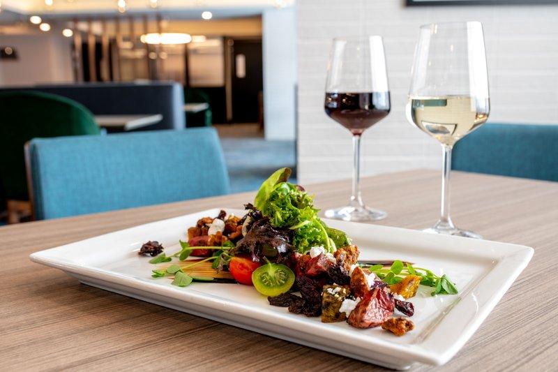 Holiday Inn Kingston - Waterfront-Local seasonal produce at Wharf & Feather Waterfront restaurant<br/>Image from Leonardo
