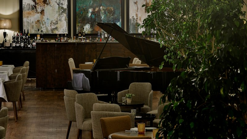 Intercontinental Porto - Palacio das Cardosas-Enjoy types of Cuisine at Astoria Restaurant <br/>Image from Leonardo