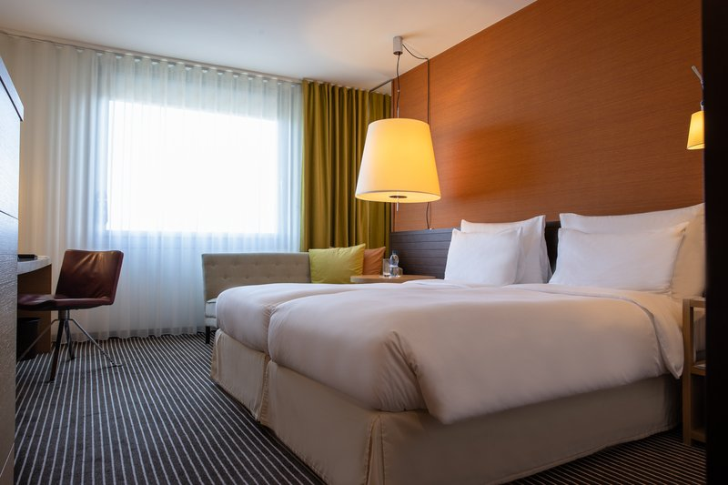 InterContinental Geneve-Guest Room<br/>Image from Leonardo