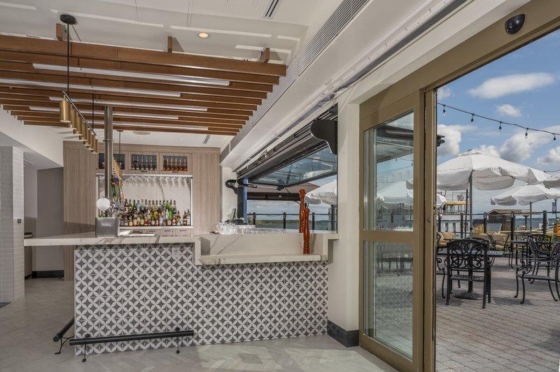 Holiday Inn Kingston - Waterfront-Wharf & Feather Bar<br/>Image from Leonardo