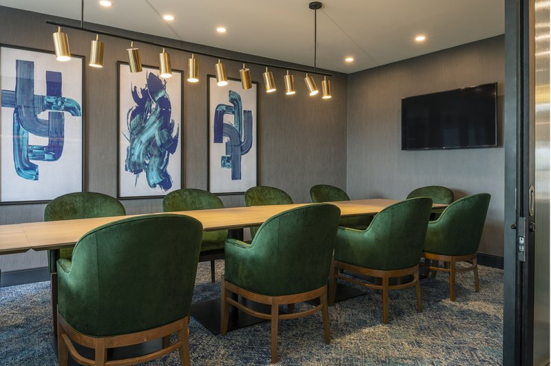 Holiday Inn Kingston - Waterfront-Convenient private space for lunch or dinner meetings<br/>Image from Leonardo
