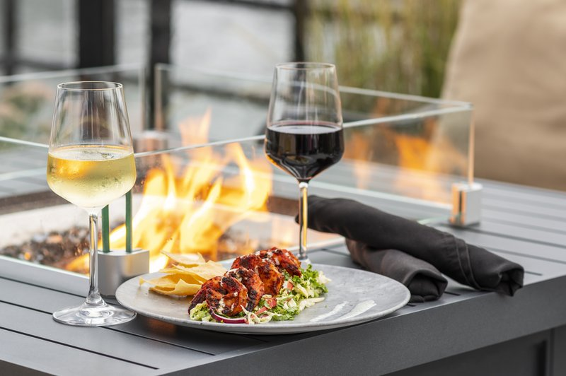 Holiday Inn Kingston - Waterfront-Shareables close to the fire pit at Wharf & Feather Waterfront Bar<br/>Image from Leonardo