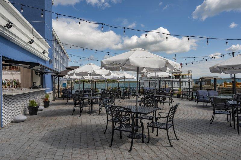 Holiday Inn Kingston - Waterfront-Wharf & Feather Patio Bar Holiday Inn Kingston Waterfront<br/>Image from Leonardo