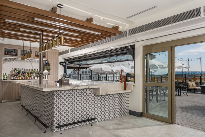 Holiday Inn Kingston - Waterfront-Indoor Outdoor Wharf & Feather Patio Bar<br/>Image from Leonardo
