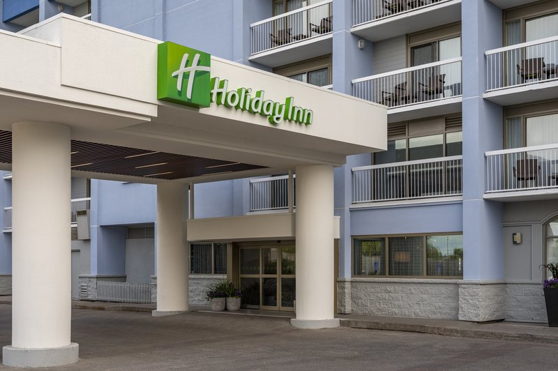 Holiday Inn Kingston - Waterfront-All rooms with balcony at the newly renovated Holiday Inn Kingston<br/>Image from Leonardo