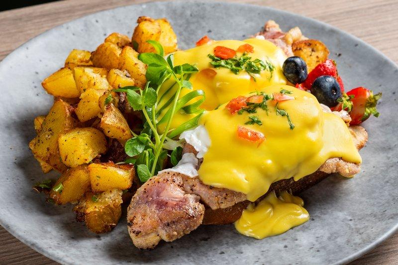 Holiday Inn Kingston - Waterfront-Enjoy a hot breakfast every morning at the Holiday Inn Kingston<br/>Image from Leonardo