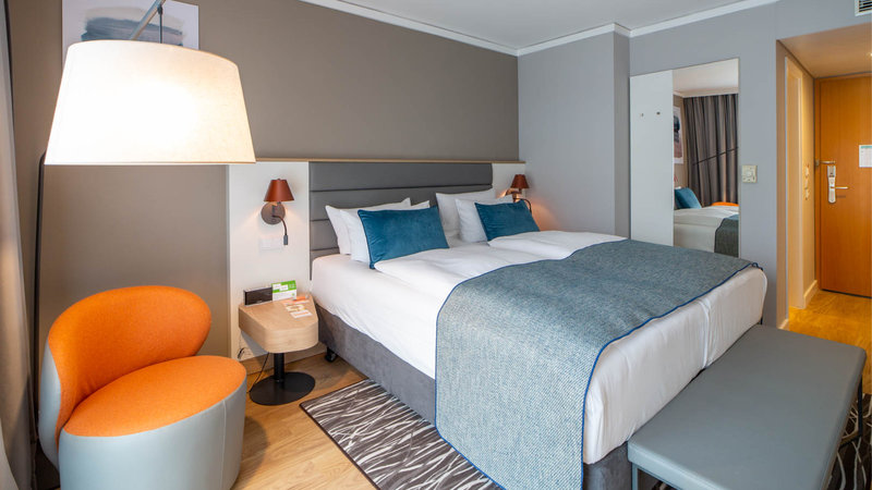 Berlin Airport Conference Centre-Guest Room<br/>Image from Leonardo