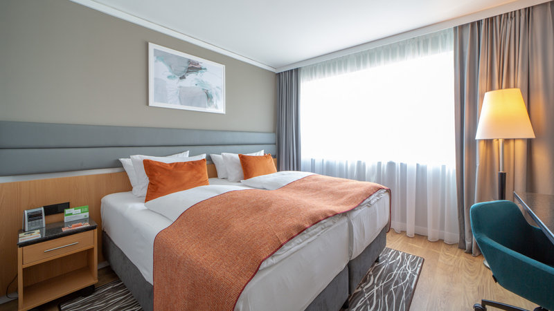Holiday Inn Berlin Airport - Conf Centre-Guest Room<br/>Image from Leonardo