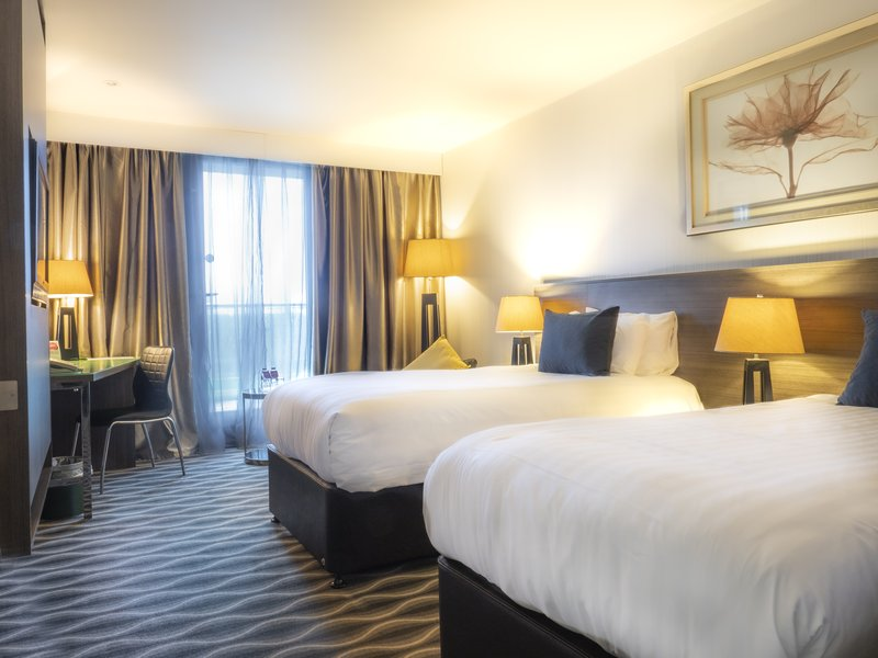 Holiday Inn London - Kingston South-Twin Club Room<br/>Image from Leonardo