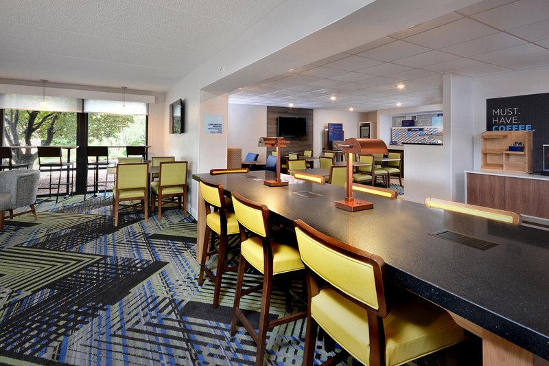 Holiday Inn Express Lynchburg-Breakfast Seating<br/>Image from Leonardo