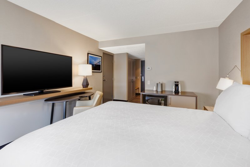 Holiday Inn Grand Rapids Downtown-1 Double Bed Accessible Roll In Shower Nonsmoking <br/>Image from Leonardo