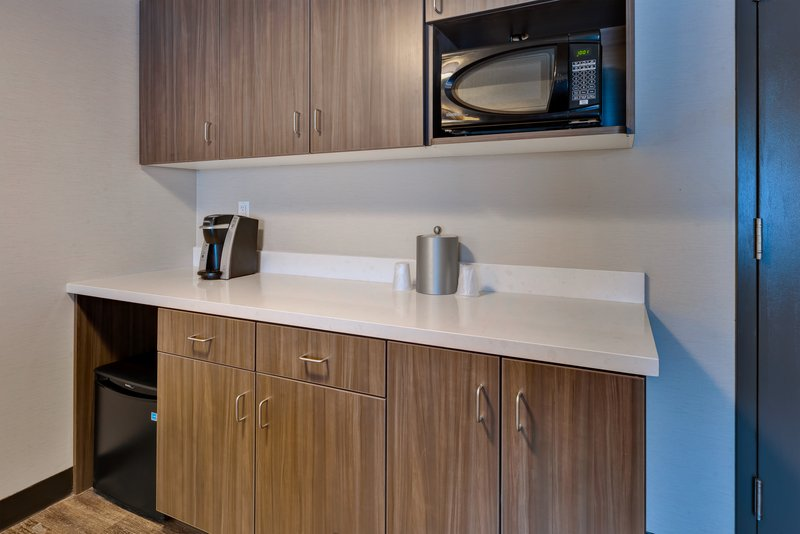 Holiday Inn Grand Rapids Downtown-Room Feature <br/>Image from Leonardo