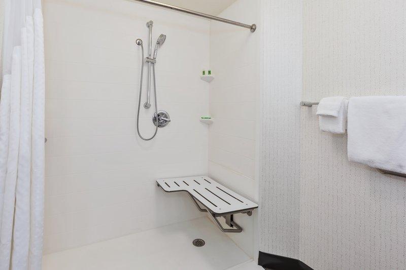 Holiday Inn Grand Rapids Downtown-Guest Bathroom <br/>Image from Leonardo