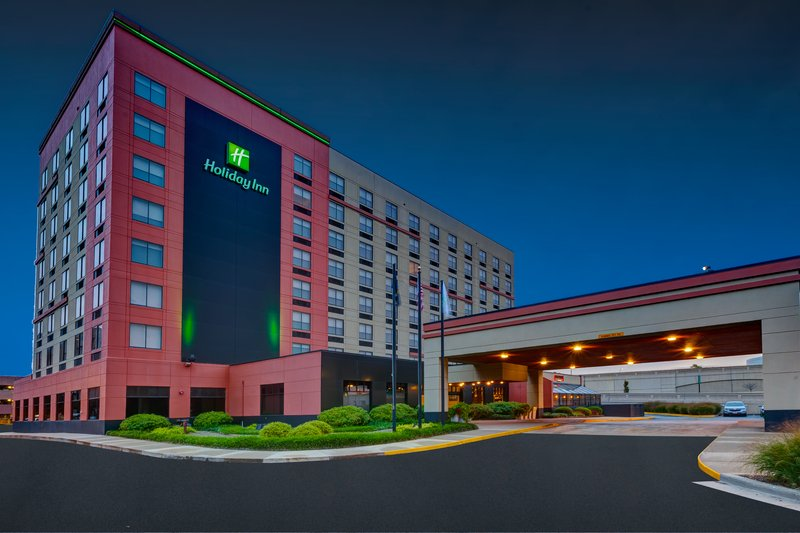 Holiday Inn Grand Rapids Downtown-Hotel Exterior <br/>Image from Leonardo