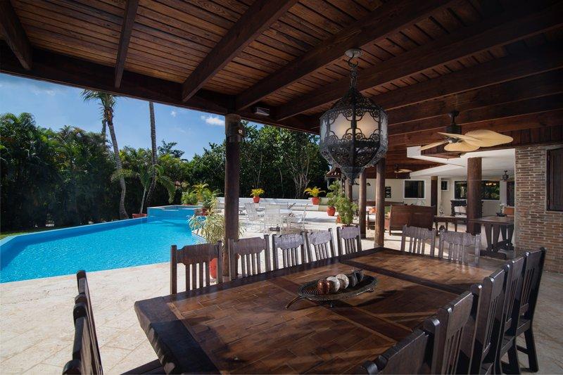 Casa De Campo - Villa del Caribe - Dining Area Exterior.jpg <br/>Image from Leonardo