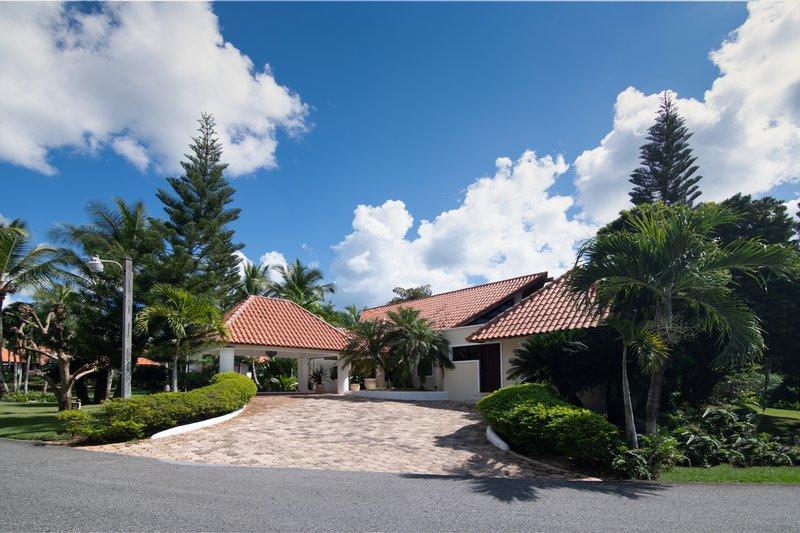 Casa De Campo - Villa del Caribe - Entrance.jpg <br/>Image from Leonardo