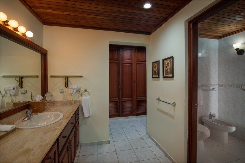 Casa De Campo - Villa del Caribe - Bathroom 1.jpg <br/>Image from Leonardo