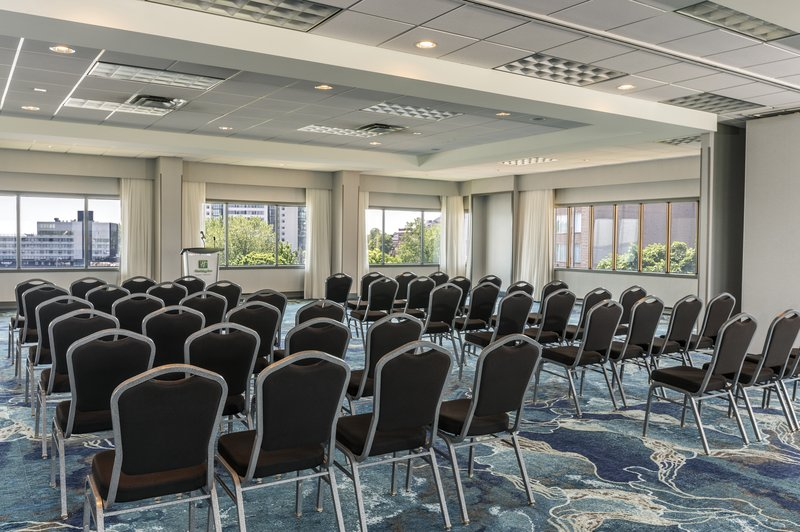 Holiday Inn Kingston - Waterfront-Meeting rooms with natural light, how inspiring!<br/>Image from Leonardo