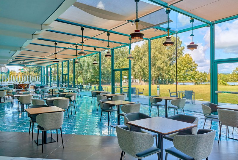 Crowne Plaza Marlow-Conservatory overlooking the Lawn and Lake <br/>Image from Leonardo