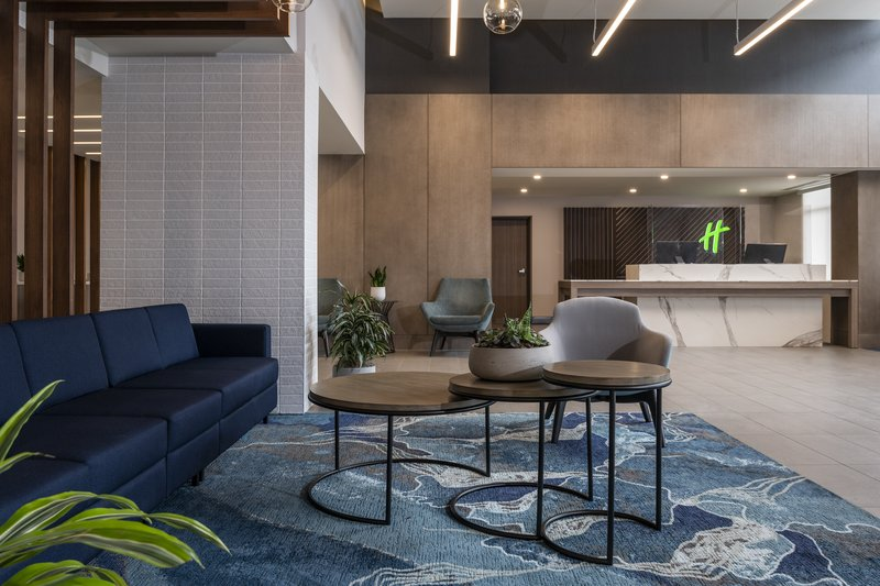 Holiday Inn Kingston - Waterfront-New modern lobby and comfortable sitting area<br/>Image from Leonardo