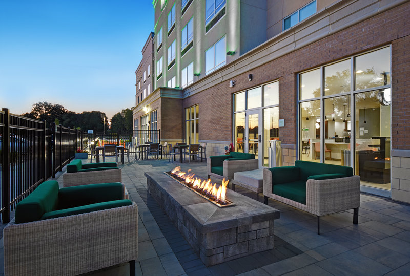 Holiday Inn Grand Rapids North-Outdoor Patio with Fireplace<br/>Image from Leonardo