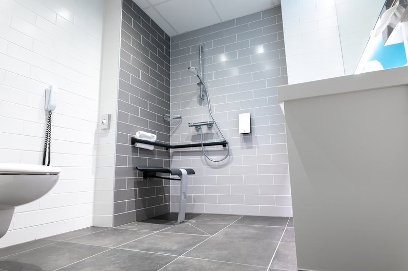 Holiday Inn Express Arras-Newly renovated accessible bathroom<br/>Image from Leonardo