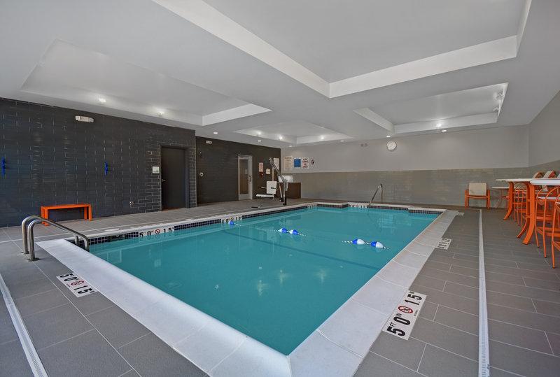 Holiday Inn Grand Rapids North-Indoor Heated Swimming Pool<br/>Image from Leonardo