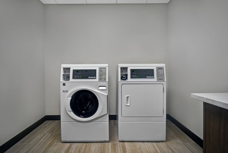 Holiday Inn Grand Rapids North-Coin Operated Guest Laundry<br/>Image from Leonardo