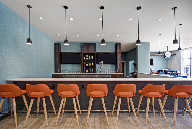 Holiday Inn Grand Rapids North-Toast to Toast Bar<br/>Image from Leonardo
