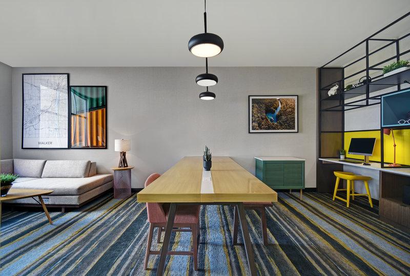 Holiday Inn Grand Rapids North-Lobby Lounge<br/>Image from Leonardo