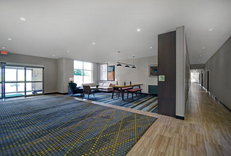 Holiday Inn Grand Rapids North-Hotel Lobby<br/>Image from Leonardo