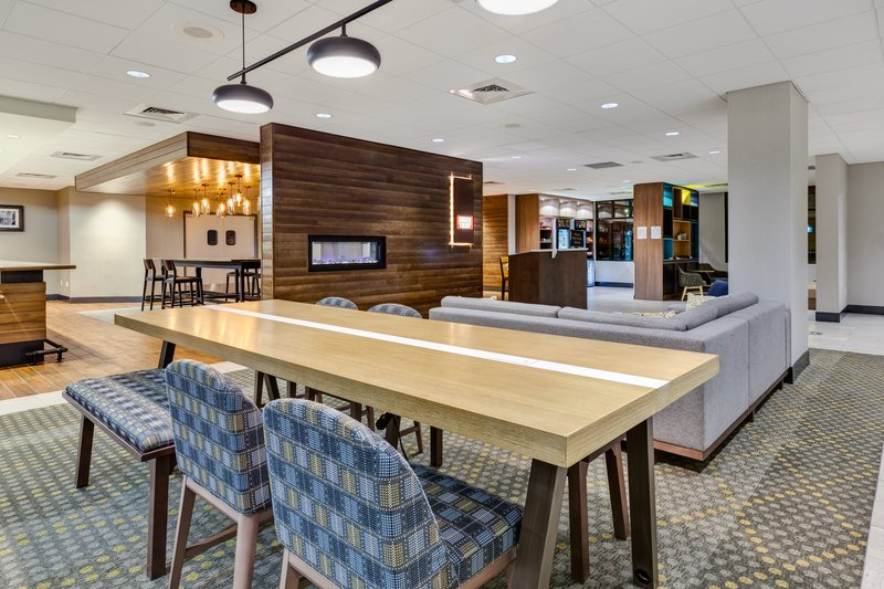 Holiday Inn Grand Rapids Downtown-Hotel Lobby <br/>Image from Leonardo