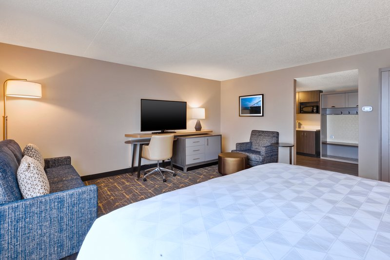 Holiday Inn Grand Rapids Downtown-Guest Room <br/>Image from Leonardo