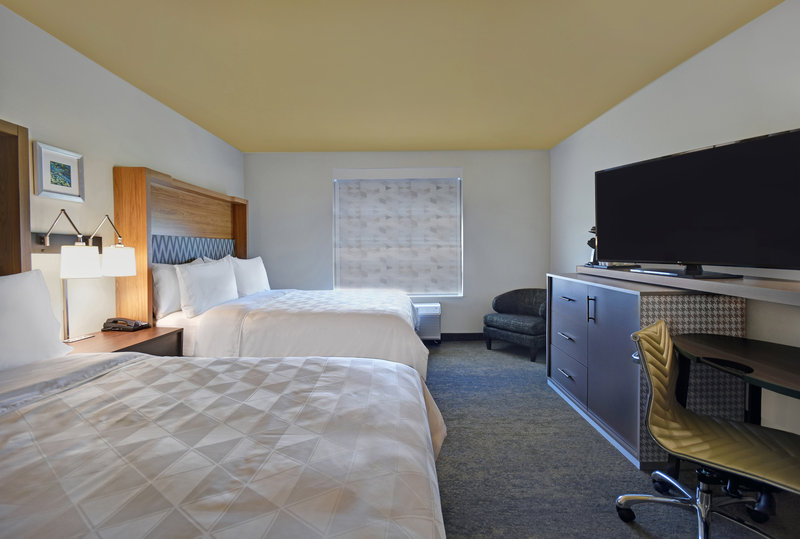Holiday Inn Grand Rapids North-Double Queen Room<br/>Image from Leonardo