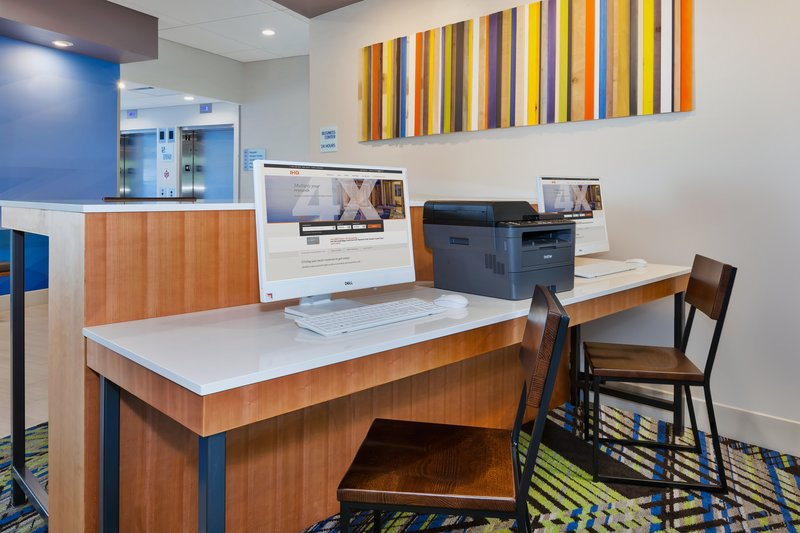 Holiday Inn Express & Suites Grand Rapids Airport - South-Business Center<br/>Image from Leonardo